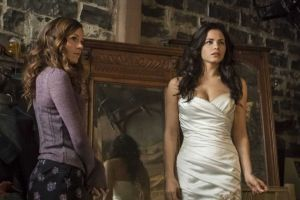 Witches-of-East-End-es-renovada-por-una-segunda-temporada-2