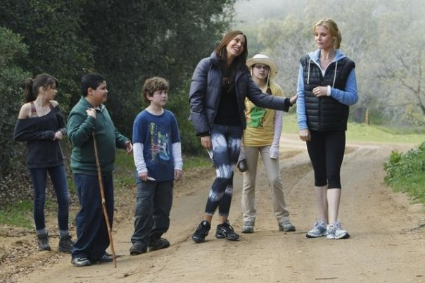 "MODERN FAMILY - ""Mother's Day"" - Claire and Gloria want to spend a nice Mother's Day outdoors hiking with the kids, but their nonstop bickering and complaining drives Claire to the edge, and she brings Gloria down with her. Meanwhile, Phil and Jay stay home to cook everyone a nice dinner, but things get really awkward when Phil witnesses an unexpected moment of weakness from Jay, and Cameron gets very self-conscious about being seen as the ""mother"" in the relationship, on ""Modern Family,"" WEDNESDAY, MAY 4 (9:00-9:31 p.m., ET), on the ABC Television Network. (ABC/JORDIN ALTHAUS) SARAH HYLAND, RICO RODRIGUEZ, NOLAN GOULD, SOFIA VERGARA, ARIEL WINTER, JULIE BOWEN"