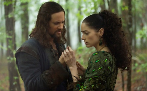 salem-1x13-john-and-mary-with-coin1